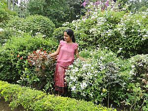 Еще одна Ева в райском саду...