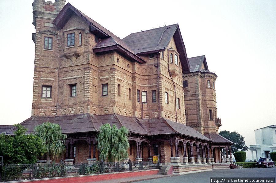 Музей-дворец Амар Махал Джамму, Индия