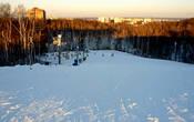 Мозырь известен и как горнолыжный курорт. Здесь расположен горнолыжный спортивно-оздоровительный комплекс «Мозырь». Трасса — 300м, перепад высот — до 35 м, есть бугельный подъёмник, учебный спуск и ночное освещение, а также горка для катания на сноубордах и тюбингах. Размещение – в гостевых домиках.