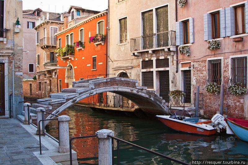 Каналы Венеции, мост на C