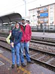 Итальянец Данелие и его русская жена Настя на станции Традате