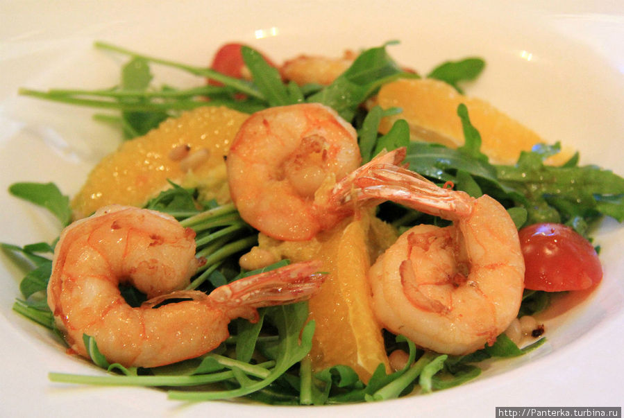 Салат из рукколы и креветок — хорош