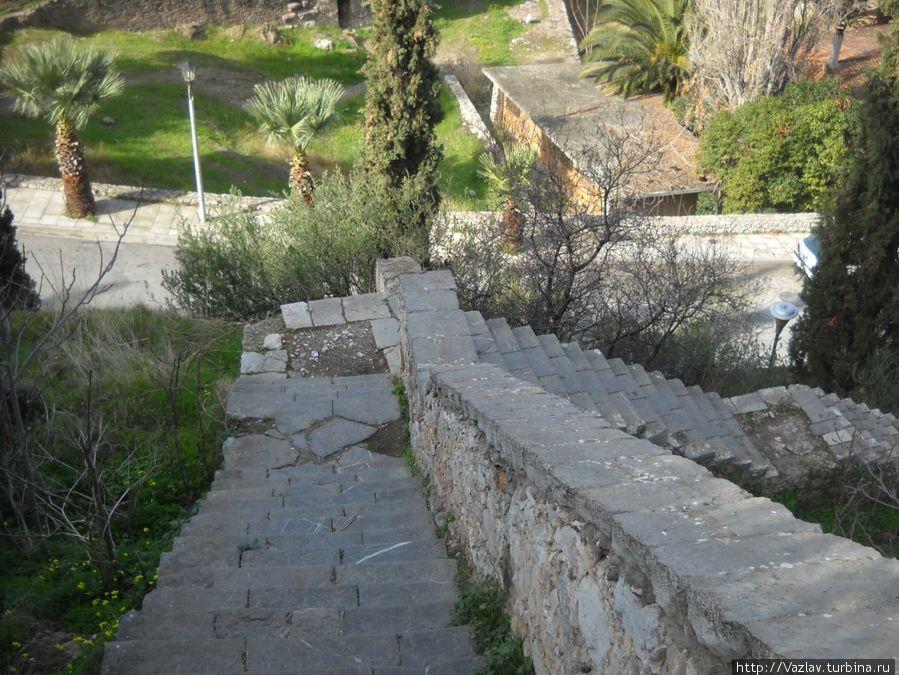 Фрагмент лестницы наверх