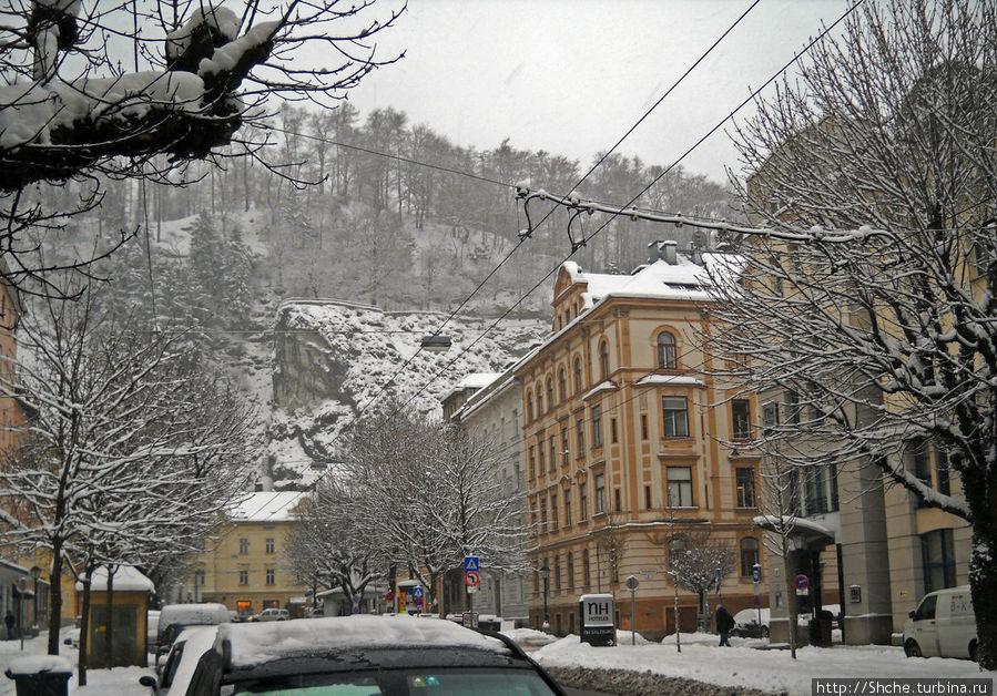 Отель прямо под горой Kapuzinerberg