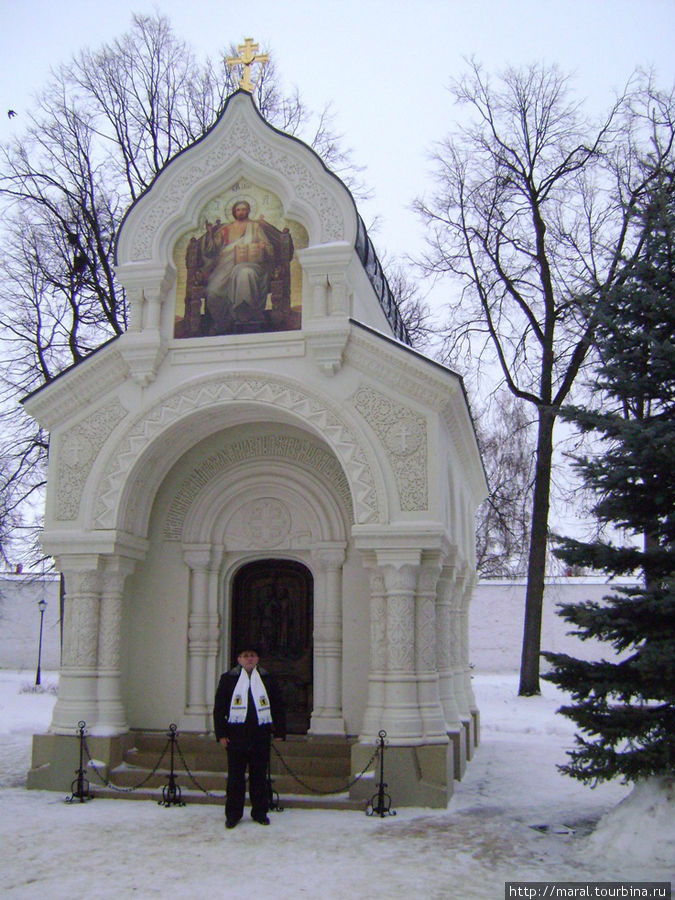 Восстановленный в 2009 году мавзолей -усыпальница спасителя Отечества в Смутное время князя Д.М. Пожарского