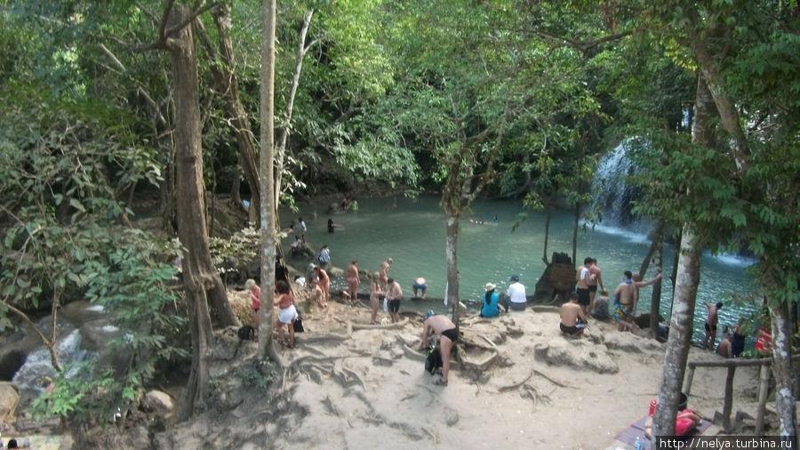 Вид на второй уровень водопада