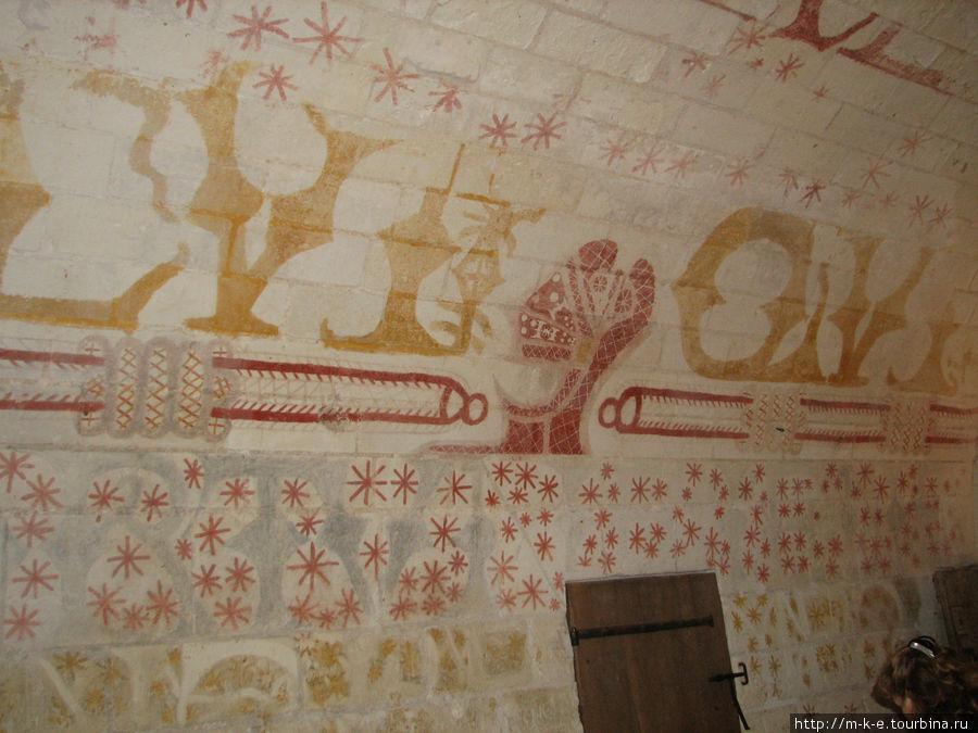 Замок Лош — Башня Мартеле — стенная роспись темперой