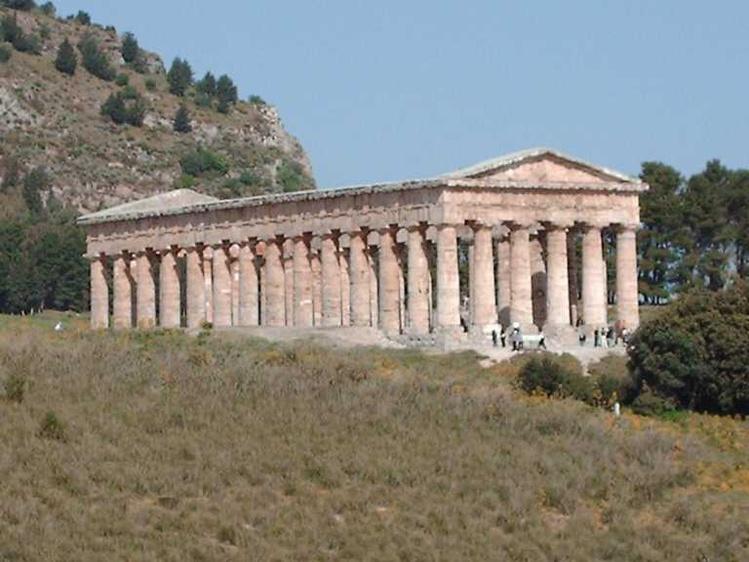 Дорический храм в Седжест