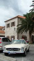 По узким дорогам Черногории, да вдоль моря наверное приятно прокатиться на такой машинке.