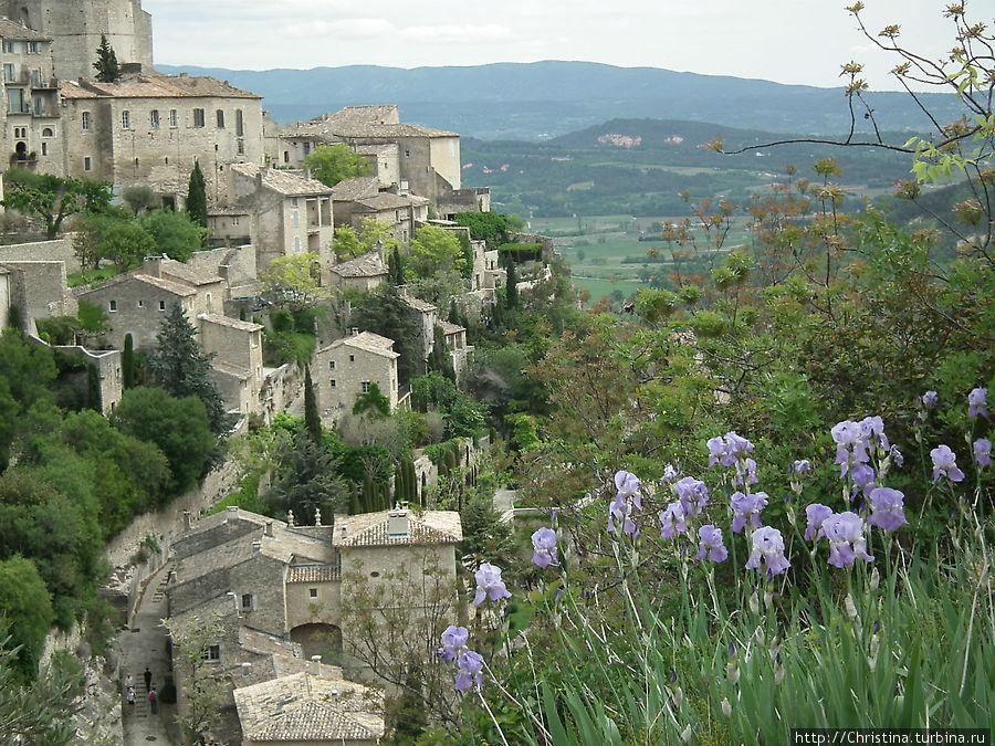 Средневековый город на горе Горд, Франция