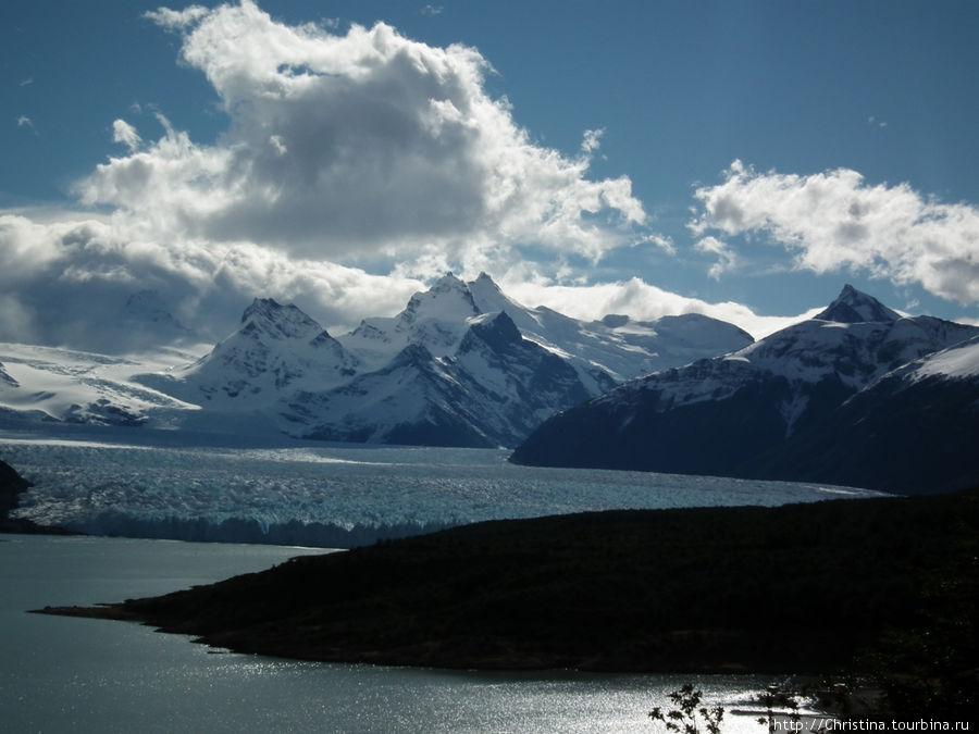 Вид из отеля на ледник