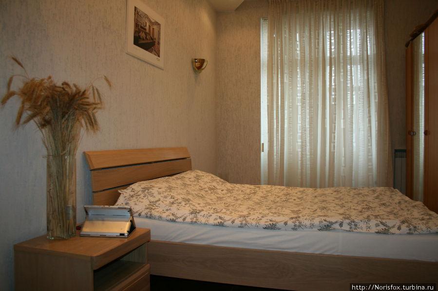 одна из спален, вторая такая же, только с гардеробной