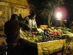 Ночной продавец овощей. Приезжал после заката на 2 часа