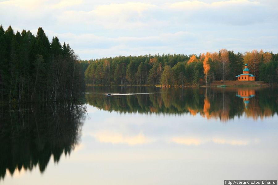 Рощинское озеро и скит