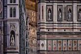 Необыкновенно изящный и одновременно грандиозный собор стал своеобразным рубежом, отделившим архитектурные традиции средневековья от принципов строительства эпохи Возрождения.