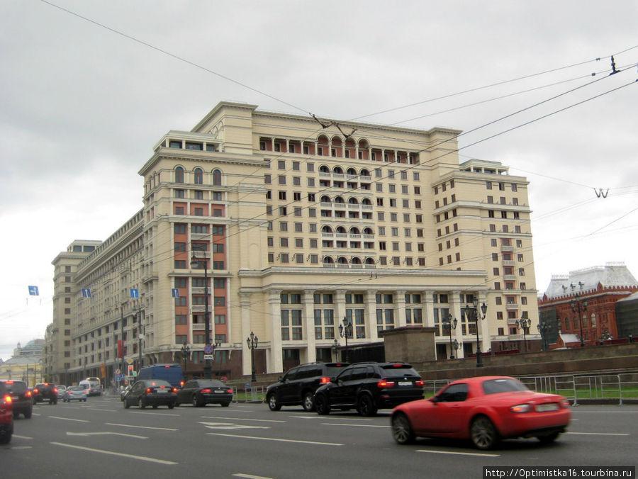 Гостиница Москва. (Я фотографировала в сентябре 2011 года)