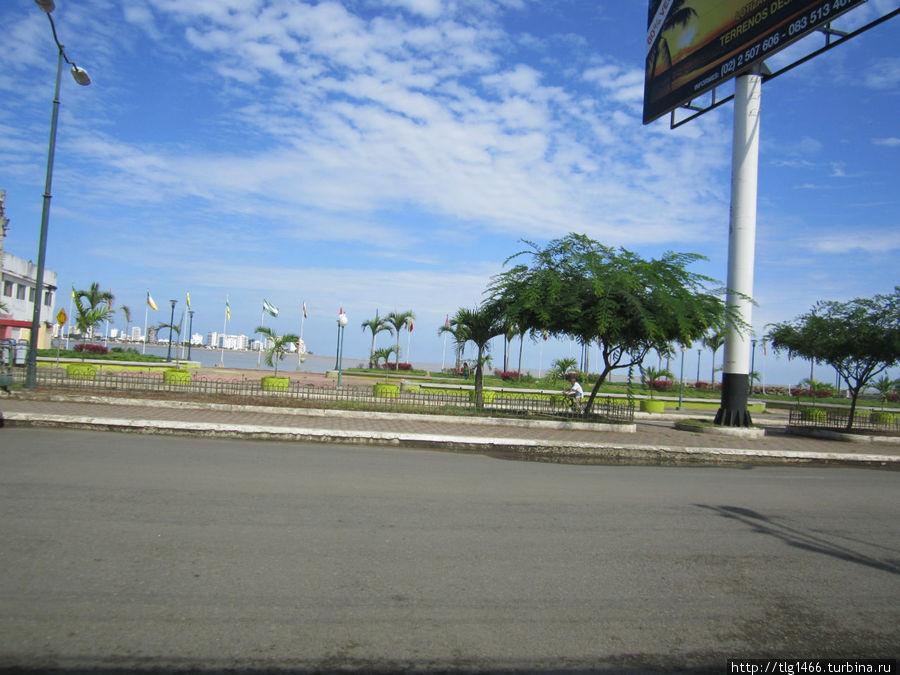Сан Висенте и на другой стороне Баи де Каракас, через мост на машине 10 минут ехать