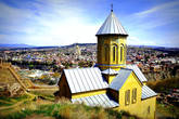 На территории крепости  находится храм Святого Николая, датированный XII столетием. Храм был реконструирован в 1996 году, вставив в стены фрагменты, сохранившиеся от помещений XII века.