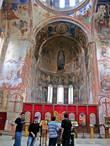 Гелатский монастырь сохранил великое множество настенных росписей которые датируются XII-XVIII веками. И поэтому самое чудесное в архитектуре Гелатского комплекса состоит в его фресках и мозаиках, которые возвращают ушедшие дни и напоминают нам о его создателях.