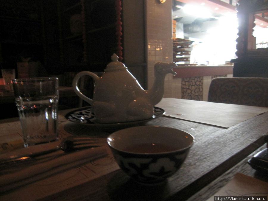 Чай в чайнике-верблюде