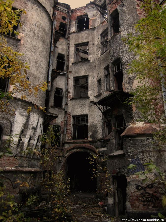 Разрушенный дом на Крепостной улице