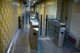 Как я уже говорил, тегеранское метро напоминает лондонское. Только если в Лондоне подземке почти 150 лет, и понятно, почему за время развития там образовалось много непонятных переходов, узких лестниц и т.д., то почему при проектировании метро в Тегеране нельзя было сразу делать нормальной ширины коридоры и не плодить лабиринты мне непонятно.