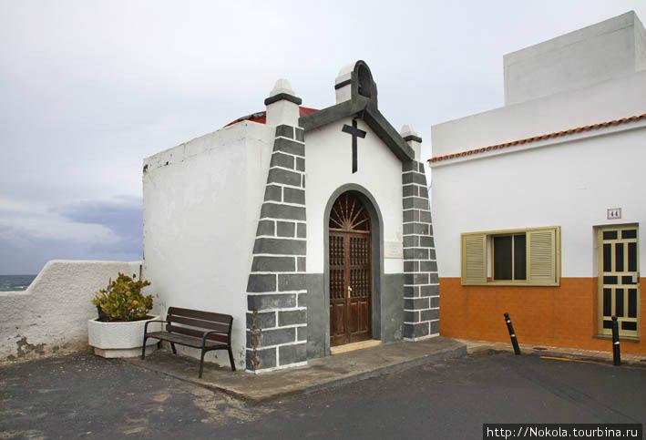 Часовня Пуэрто-де-ла-Крус, остров Тенерифе, Испания