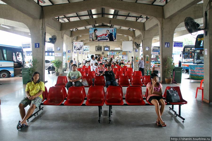 Автовокзал в Районге