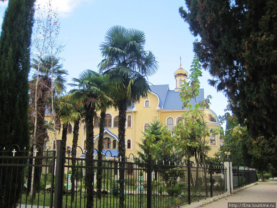 Церковный дом с домовой Свято-Духовской церковью