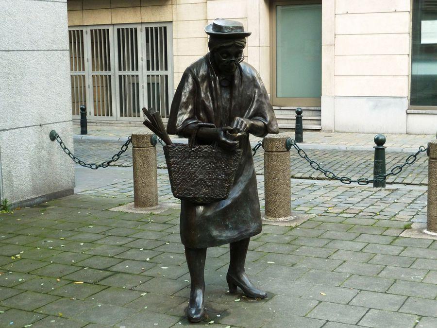 Памятник пенсионерам Брюссель
