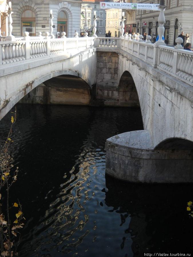 Два моста из трёх