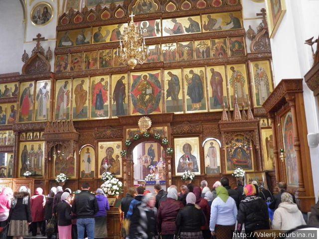 Иконостас собора Успения Святой Богородицы
