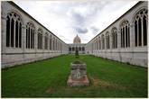 Кладбище с трагической историей — оно сильно пострадало от бомбардировок во время Второй Мировой