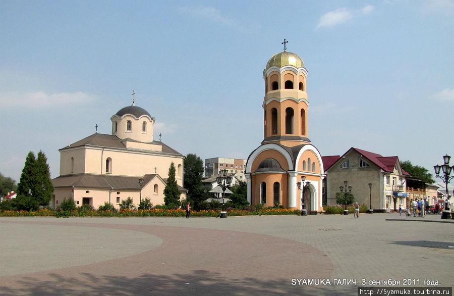 Церковь Рождества Христова с колокольней. Галич, Украина