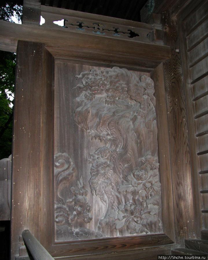 Элемент резьбы на фасаде