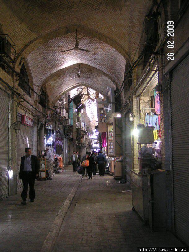 На одной из улочек базара