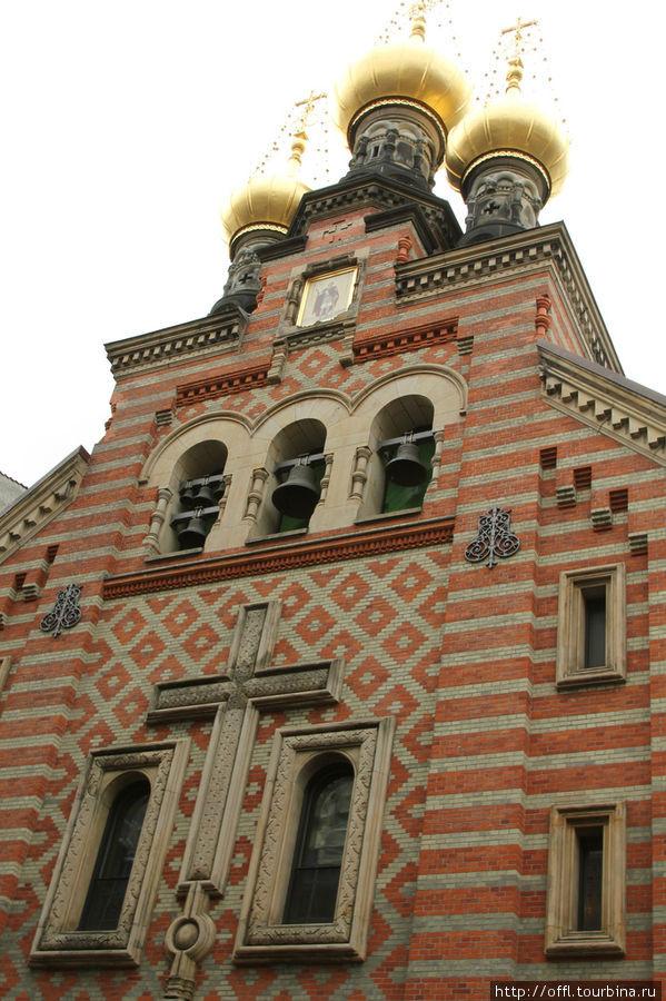 Православная церковь. Строили её специально для Русского царя. Он с супругой в те времена (XIX век)  частенько посещал Копенгаген.