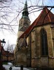Кройцкирхе (Kreuzkirche) – одна из старейших церквей города, была освящена в 1333 году. Церковь уничтожили бомбардировки во время Второй мировой войны. К счастью, сохранились оригинальные планы ее постройки, по которым она и была восстановлена.