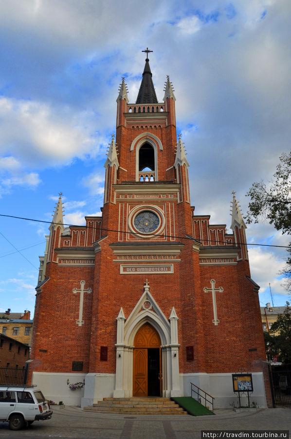 Кафедральный Собор Успения Пресвятой Девы Марии.