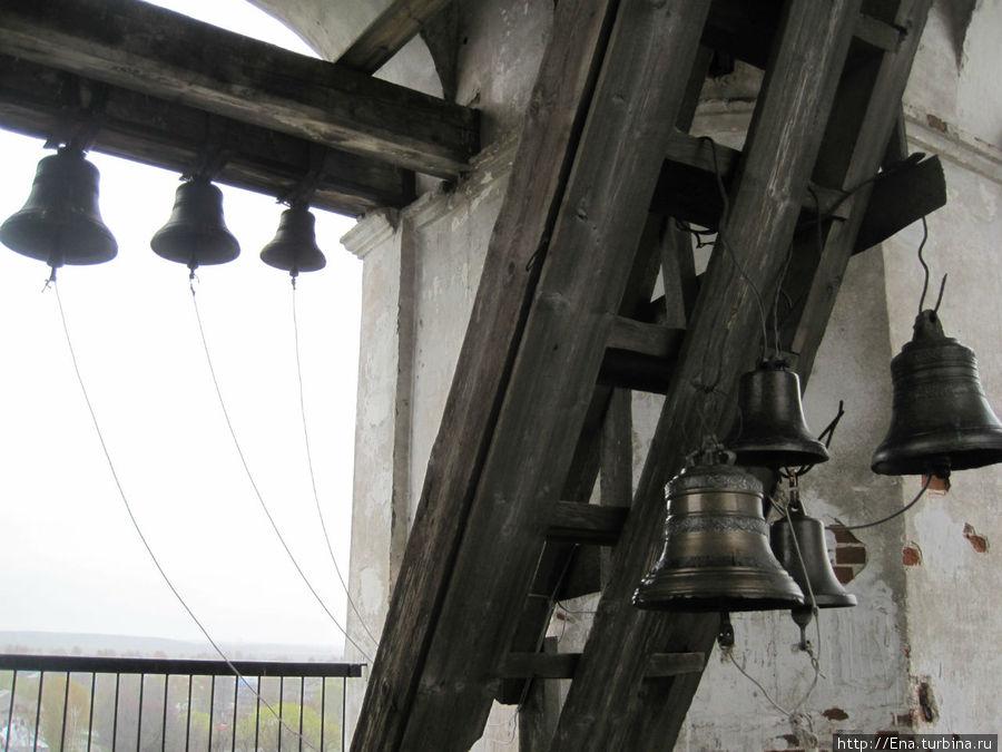 На колокольне Троицкого собора