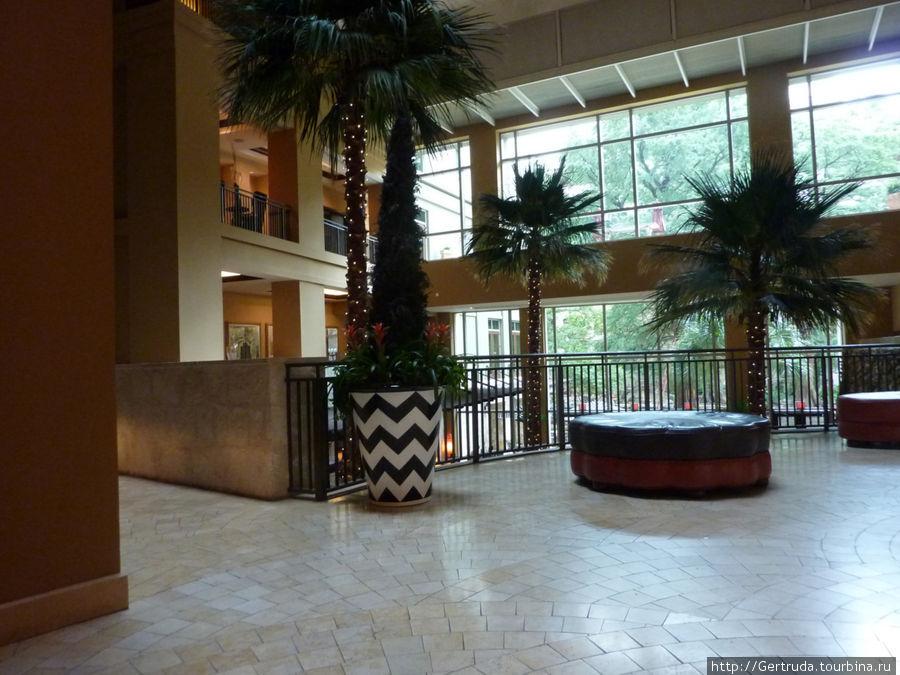Лобби- холл  второго этажа