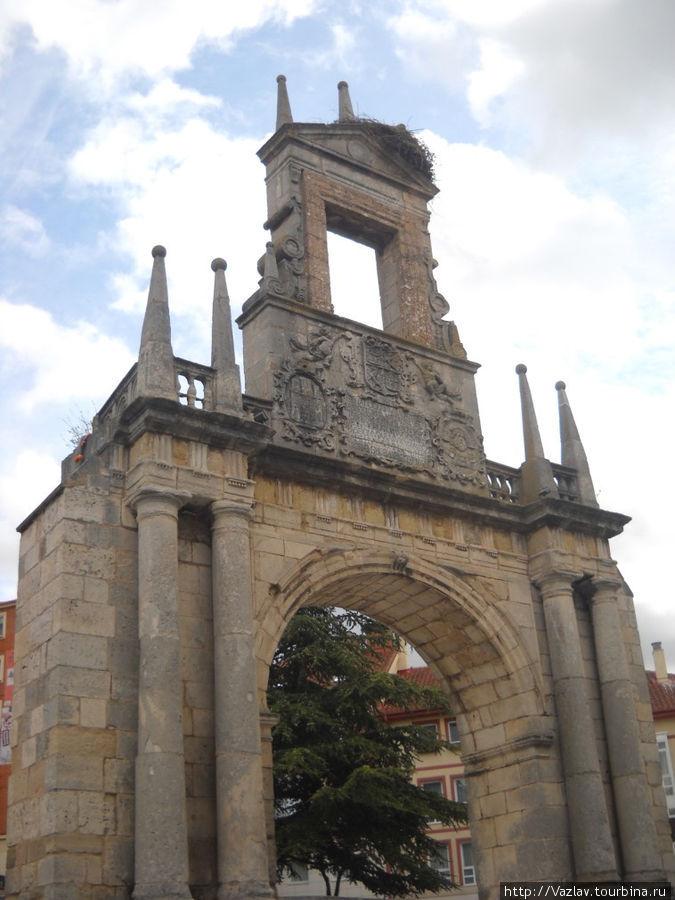 Парадный вид арки