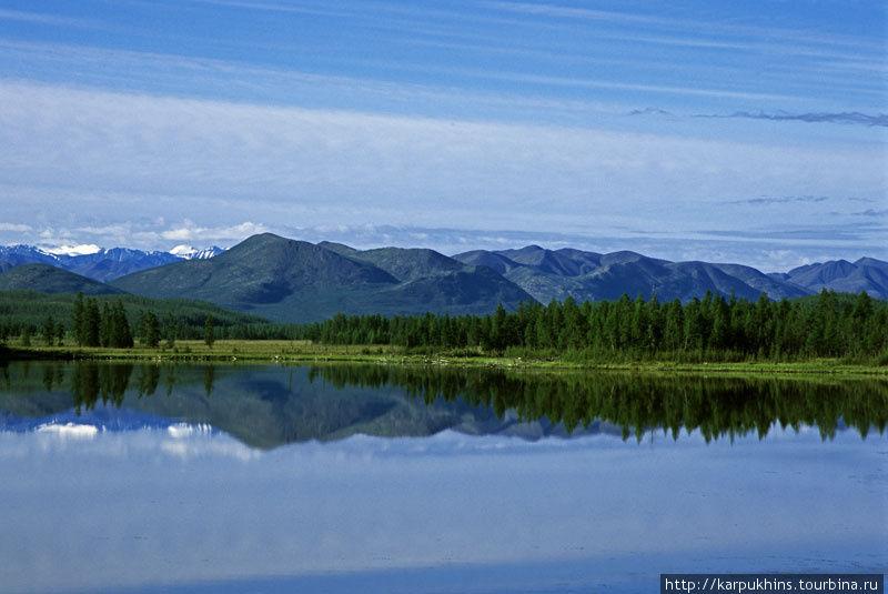 Озеро Чонкунчах. Самое большое в долине Сунтара на нашем пути.
