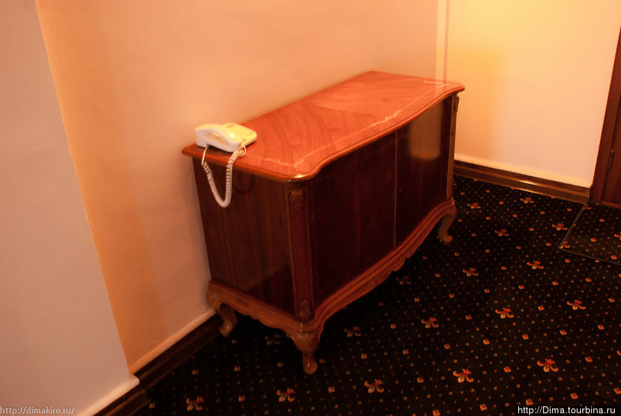 Мебель в холлах красивая