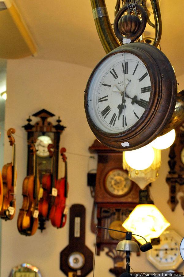 Магазин старинных часов в Еврейском квартале