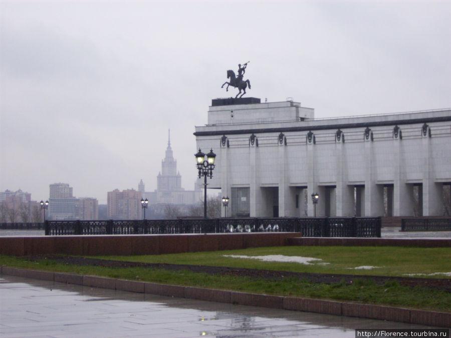 Поклонная гора, фрагмент здания музея