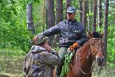 вот здесь инспектор заповедника рассказал что видел стадо зубров неподалеку и был выработан план сдвинуть стадо в нашу сторону чтобы мы смогли их увидеть