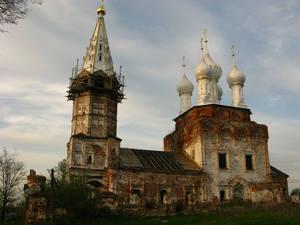 Покровская церковь — одна из одиннадцати храмов (вместе с Горицами), воздвигнутых в Дунилове. При этом, Дунилово никогда не было городом. С чего бы это такая щедрость владельцев? Потому, что это было не простое, а Великое село.