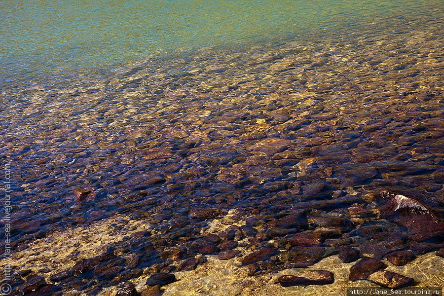 Разноцветная вода Тюнгур, Россия