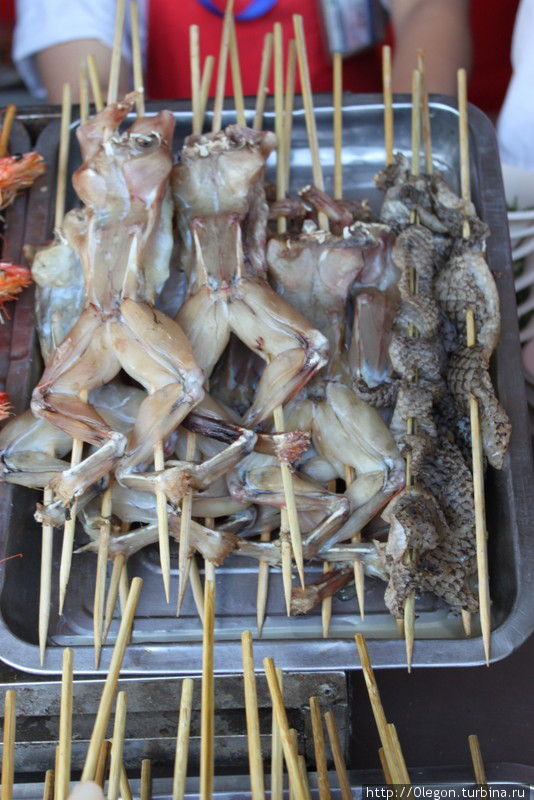 Лягушачьи лапки, брюшки и так далее Пекин, Китай